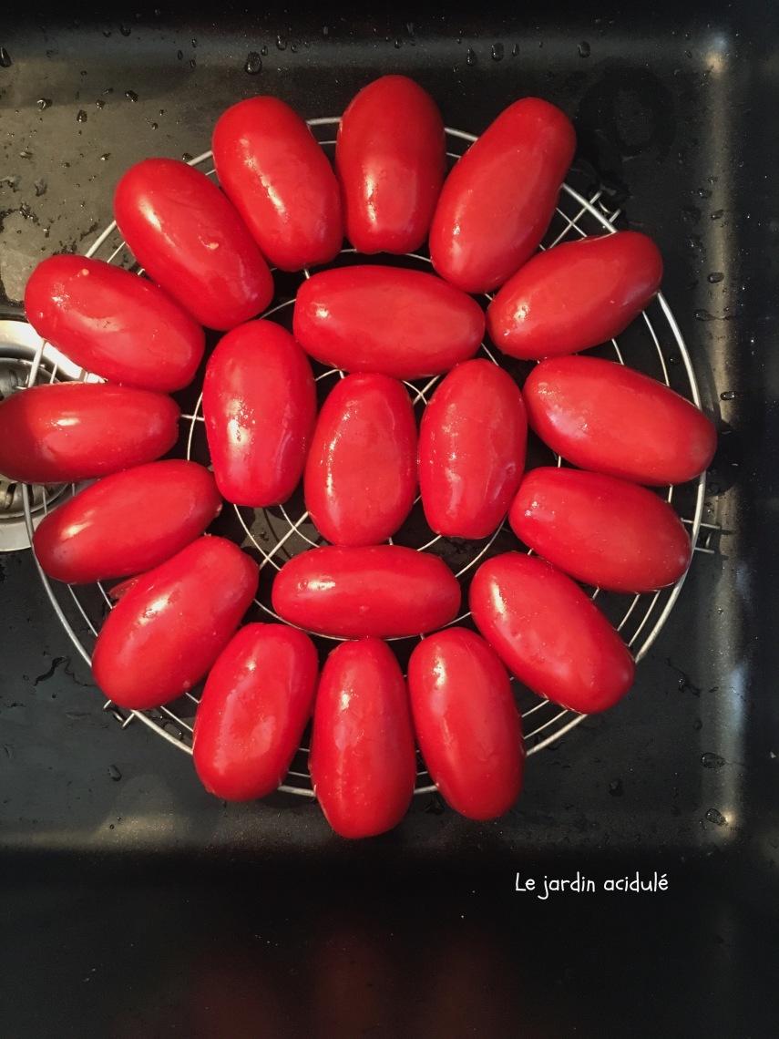 Tarte tatin à la tomate 1.jpg